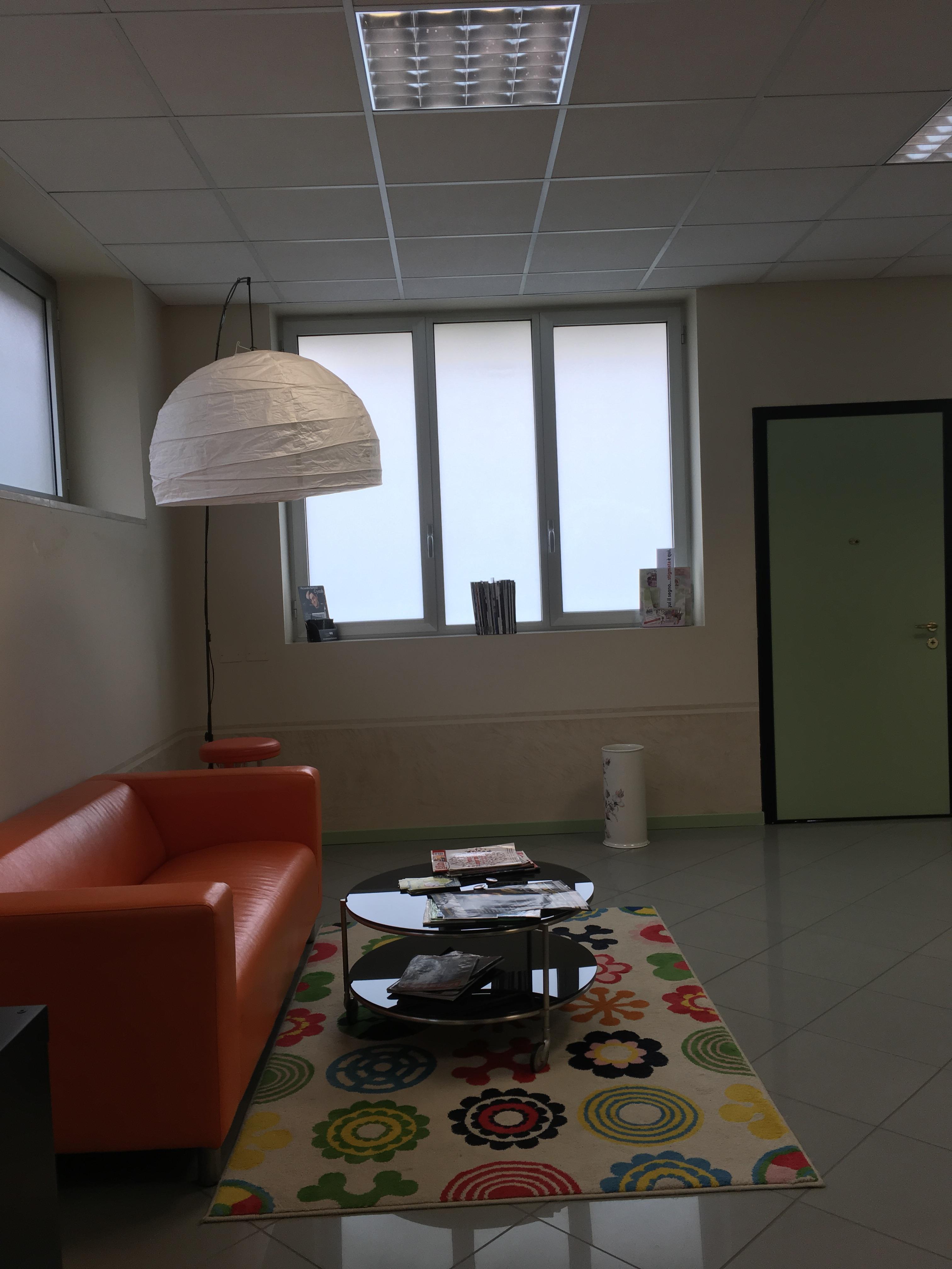 0250 piacenza ufficio ambulatorio palestra low cost for Pareti divisorie ufficio low cost